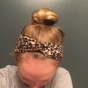 Forever 21 Accessories - Cheetah wrap headband